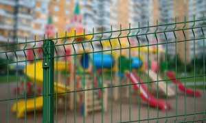 Живая изгородь для детской площадки