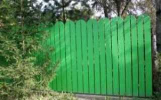 Простой недорогой забор для дачи