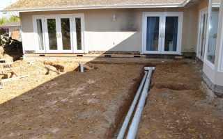 Прокладка канализационной трубы в земле
