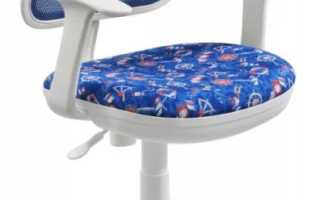 Прозрачный стул из пластика